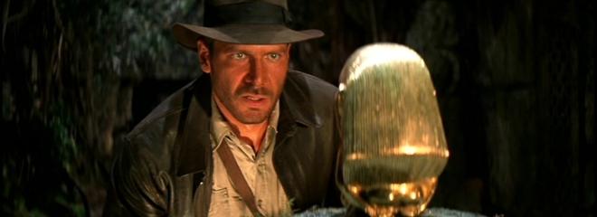 Доктор Джонс готовится подменять легендарку.